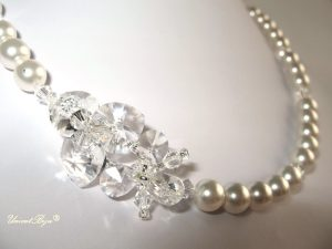 "Colier ""White Orchid"", Swarovski Elements"