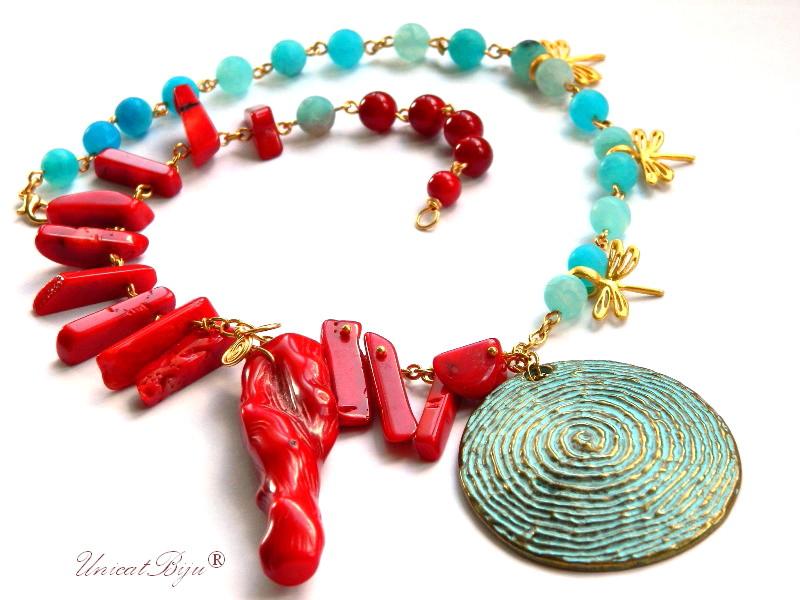 colier coral rosu, agat frosted bleu, pandantiv verdigris, bijuterii semipretioase unicat, aurit, unicatbiju