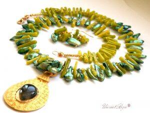colier coral verde, bijuterii aurite, bijuterii semipretioase, unicat, perle naturale, sidef verde, unicatbiju, cercei perle biwa
