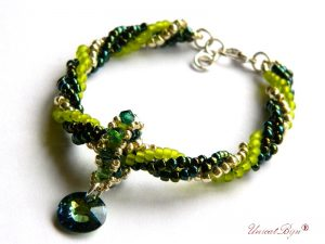 bratara-cristale-swarovski-bijuterii-unicat-statement-verde-vitrail-medium-unicatbiju-cadouri-craciun