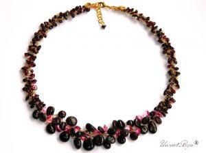 colier-granat-natural-bijuterii-semipretioase-unicat-cristale-swarovski-statement-unicatbiju-rose-aurit