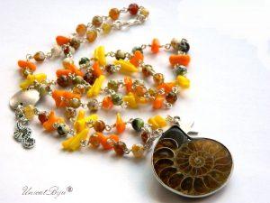 colier-statement-bijuterii-semipretioase-unicat-coral-galben-coral-orange-pandantiv-amonit-fosil-agat-unicatbiju-stea-de-mare-calut-de-mare