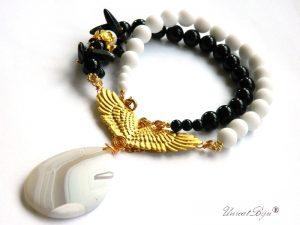 colier-yin-yang-onix-negru-onix-alb-mat-pandantiv-agat-frosted-aripi-aurit-unicatbiju-bijuterii-semipretioase-statement
