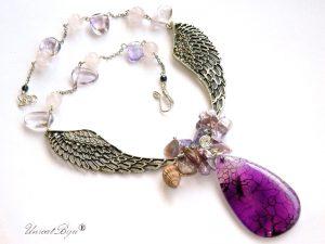 colier-ametist-bijuterii-statement-aripi-argintat-cuart-roz-perle-sidef-roz-unicatbiju-pandantiv-agat-strugure