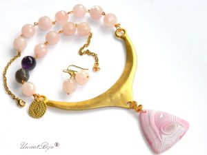 colier-cuart-roz-masiv-bijuterii-statement-semipretioase-agat-mat-ametist-aurit-unicatbiju