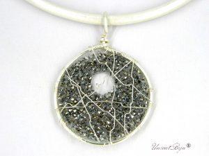 colier-cristale-swarovski-bijuterii-statement-pandantiv-mare-colier-piele-naturala-colan-unicatbiju-argintat-alb-perlat