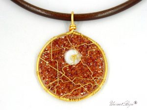 colier-cristale-swarovski-bijuterii-statement-pandantiv-mare-colier-piele-naturala-colan-unicatbiju-aurit-orange