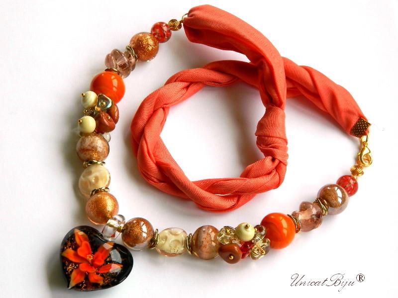 colier-perle-murano-bijuterii-matase-naturala-pandantiv-murano-foita-aur-statement-orange-poinsetia-unicatbiju