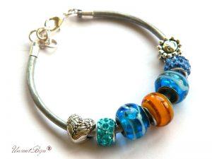 bratara-tip-pandora-snur-piele-naturala-margele-murano-cristal-cadouri-unicat-charmuri-argintate-albastru-unicatbiju