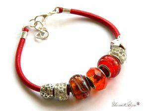 bratara-tip-pandora-snur-piele-naturala-margele-murano-cristal-cadouri-unicat-charmuri-argintate-rosu-orange-unicatbiju
