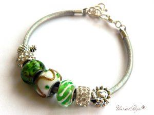 bratara-tip-pandora-snur-piele-naturala-margele-murano-cristal-cadouri-unicat-charmuri-argintate-verde-craciun-unicatbijuu