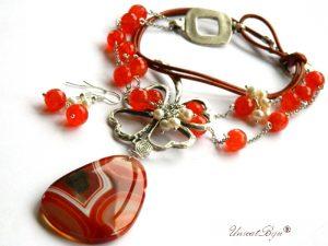 colier-statement-trifoi-argintat-pandantiv-agat-orange-perle-sidef-piele-naturala-cercei-lungi-argintat-unicatbiju-semipretioase