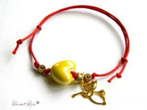 bratara-martisor-ceramica-inima-ingeras-aurit-reglabila-snur-bumbac-natural-galben-unicatbiju