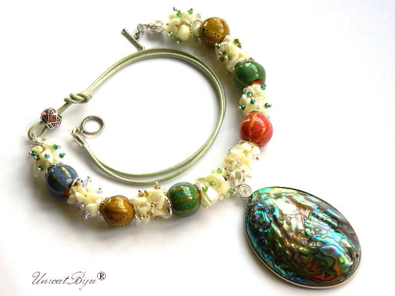 colier statement, bijuterii semipretioase unicat, pandantiv paua shell, sidef natural, cristale, piele, ceramica pictata, unicatbiju