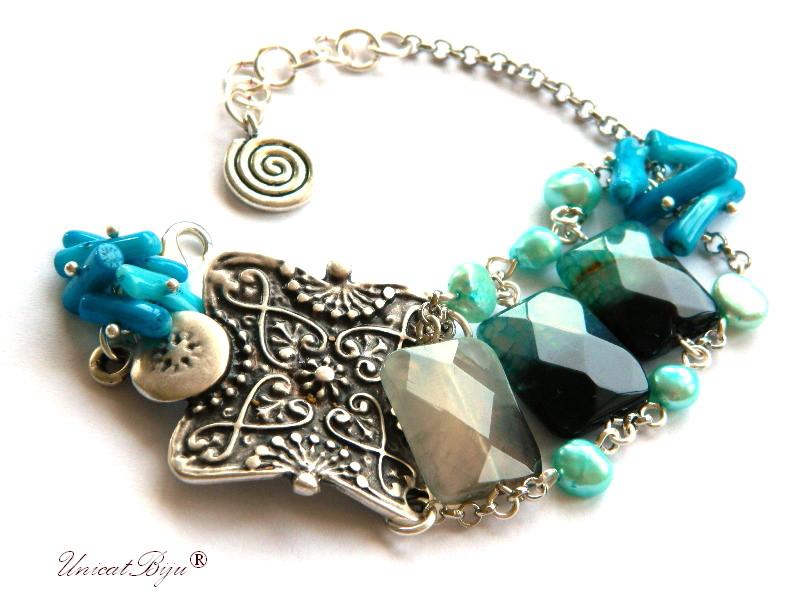 bratara statement, coral albastru, floruite, bijuterii semipretioase unicat, perle turcoaz, argintata, unicatbiju
