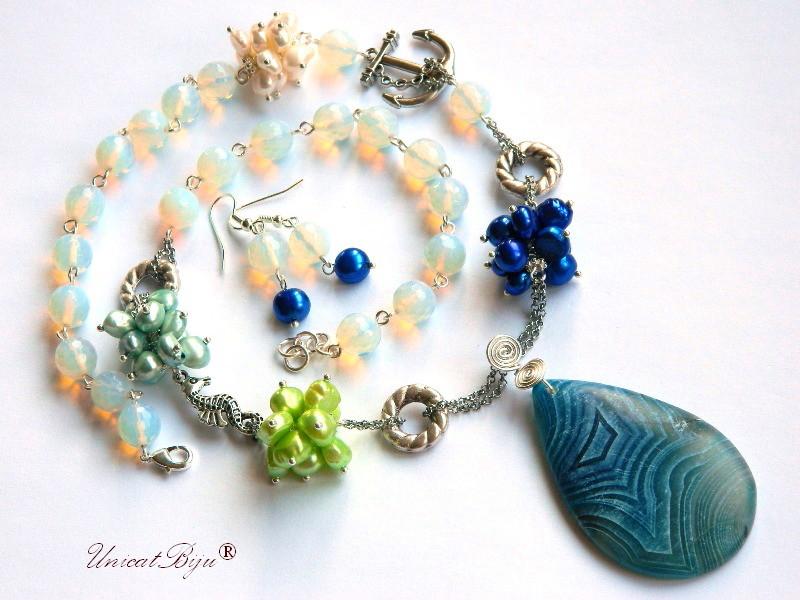 colier statement, bijuterii semipretioase unicat, perle verzi, perle albastre, opalit, agat mat, ancora charm, calut de mare argintat, unicatbiju