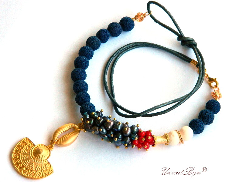 colier marin, scoica aurita, bijuterii semipretioase unicat, coral rosu, perle negre, lava, unicatbiju