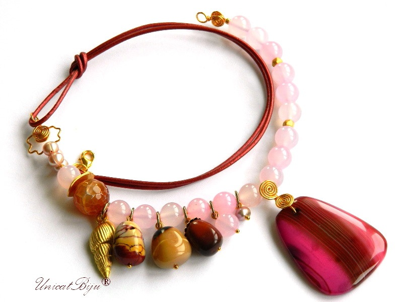 colier agat roz, bijuterii semipretioase unicat, statement, melc aurit, perle, sidef natural, unicatbiju
