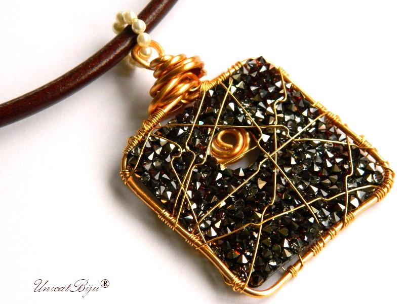 colier piele naturala, pandantiv statement, cristale swarovski, perle, wire wrap free form, bijuterii fantezie, ciocolatiu, aurit, unicatbiju