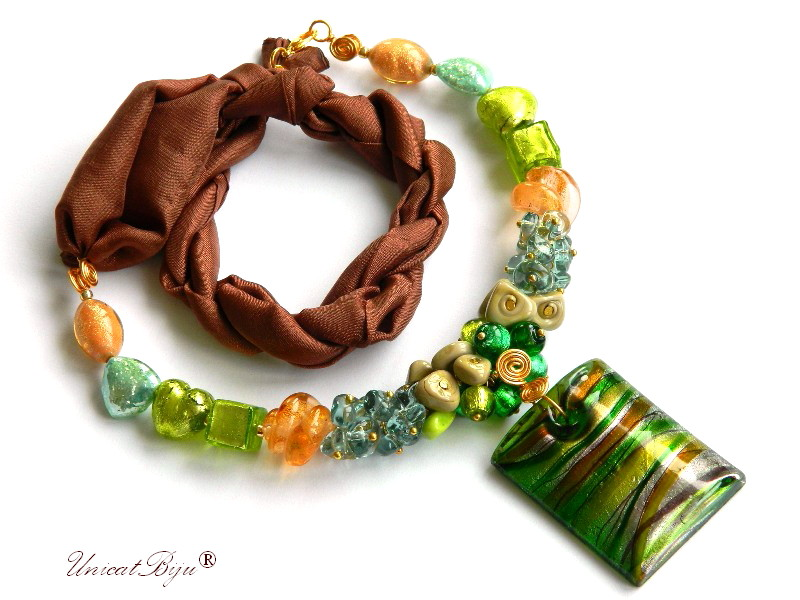 colier perle murano, bijuterii matase naturala, pandantiv murano, smarald, aurit, unicatbiju, martisor