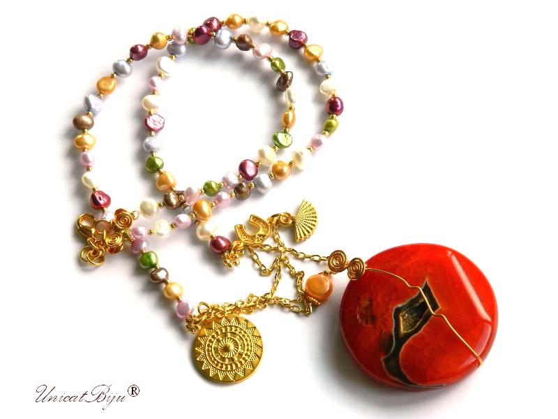 colier extra lung, perle multicolore, sidef natural, bijuterii semipretioase unicat, pandantiv masiv agat geoda, potcoava aurita, unicatbiju