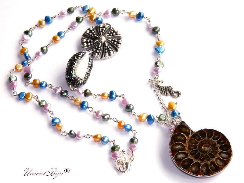 colier extra lung, bijuterii semipretioase unicat, statement, pandantiv amonit, perle multicolore, sidef natural, perle keshi, cristale, marin, unicatbiju, calut de mare argintat