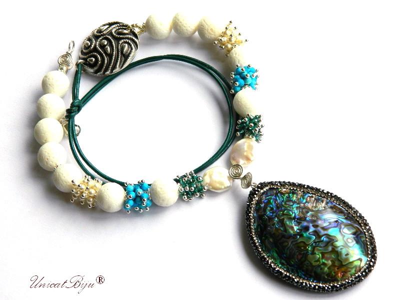 colier statement, pandantiv paua shell, bijuterii semipretioase unicat, lava alb, turcoaz, cristale, perle swarovski, unicatbiju