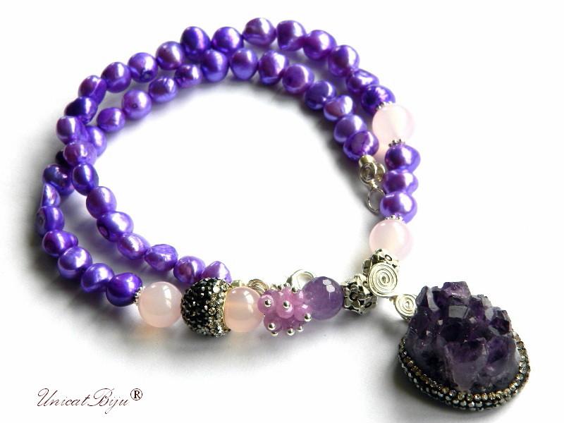 colier perle mov, bijuterii semipretioase unicat, statement, pandantiv ametist geoda, cuart roz, jad, cristale, unicatbiju