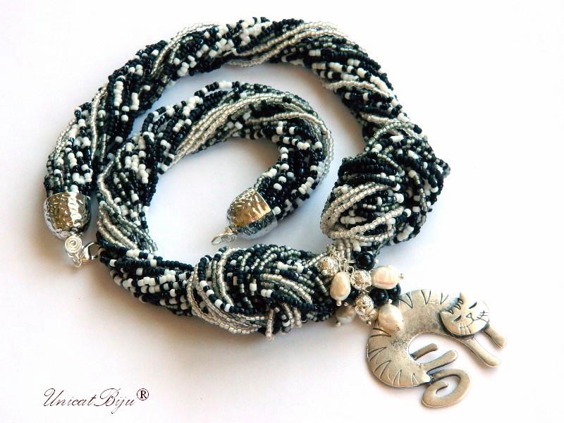 colier statement, perle multicolore, sidef natural, bijuterii semipretioase unicat, pisica argintata, alb negru, unicatbiju