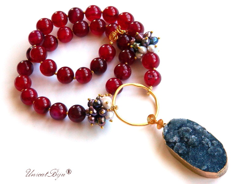 colier jad rubin, bijuterii semipretioase unicat, pandantiv agat druzy, perle multicolore, sidef natural, cerc aurit, unicatbiju