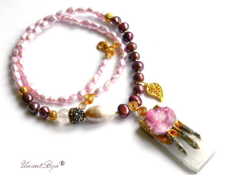 colier statement, perle keshi, bijuterii semipretioase unicat, agat druzy, cristale, frunza aurit, unicatbiju, perle roz, sidef natural