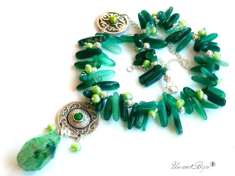 colier statement, agat moss, aventurin, bijuterii semipretioase unicat, pandantiv prehnit, perle verzi, sidef natural, salba argintata, unicatbiju
