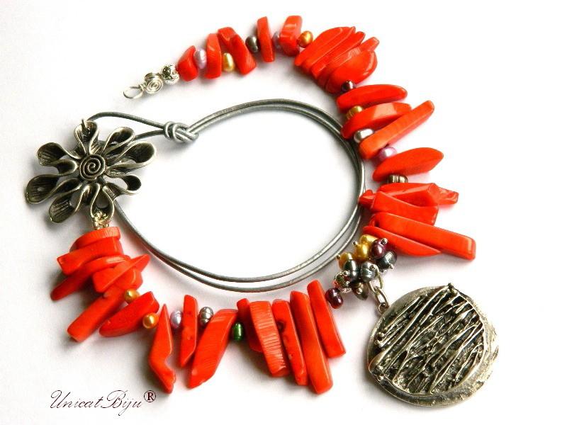 colier statement, coral portocaliu, bijuterii semipretioase unicat, salba argintata, perle multicolore, perle keshi, unicatbiju