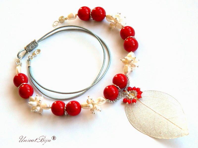 colier statement, iarna, bijuterii semipretioase unicat, perle mallorca rosii, perle albe, sidef natural, perle keshi, frunza filigran argintata, unicatbiju
