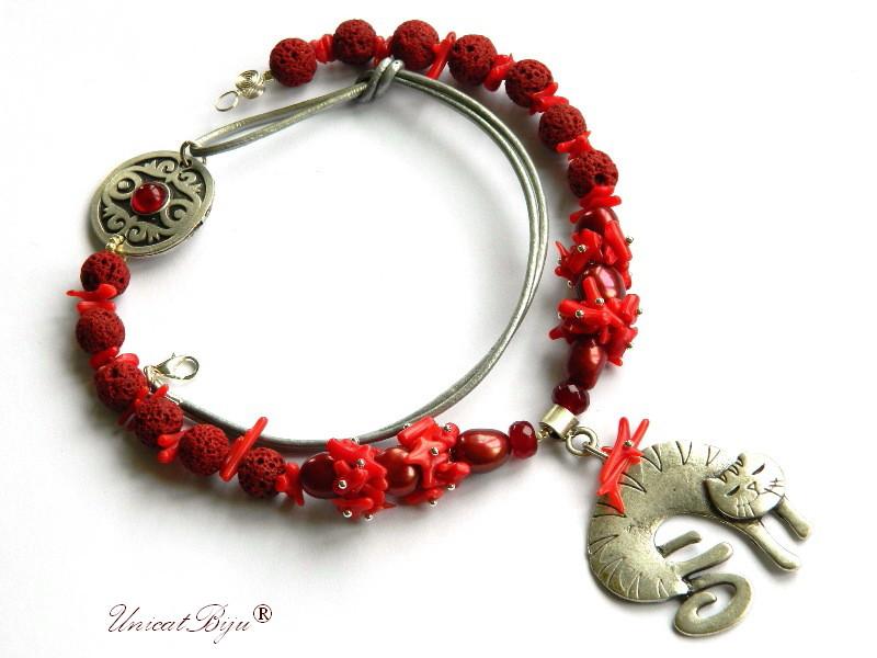 colier lava grena, bijuterii semipretioase unicat, coral tepi, pandantiv pisica argintata, perle keshi, perle bordeaux, salba argintata, unicatbiju