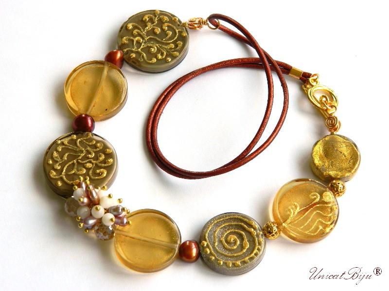 colier murano pictat manual, bijuterii statement, perle keshi bordeaux, perle roz, piele naturala, unicatbiju