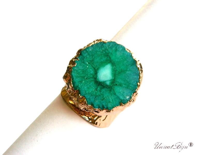 bijuterii semipretioase unicat, inel statement, baza inel reglabila aurita, cuart solar verde, unicatbiju