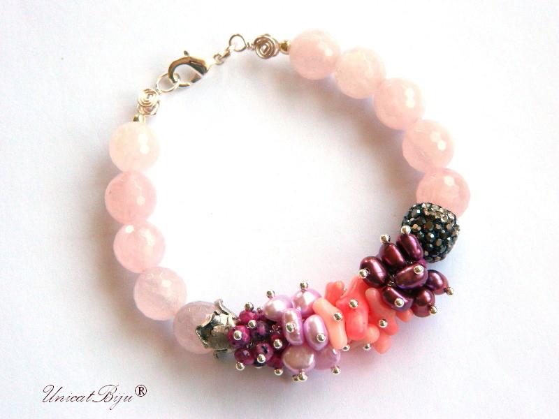 bratara statement, argintat, bijuterii semipretioase unicat, cuart roz, perle burgundy, turmalina roz, coral roz, perle keshi, sidef natural, unicatbiju