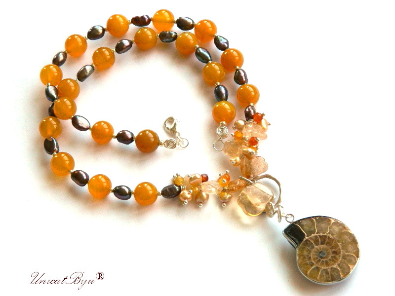 colier jad galben, bijuterii semipretioase unicat, pandantiv amonit, citrin, perle aurii, sidef natural, perle keshi, unicatbiju