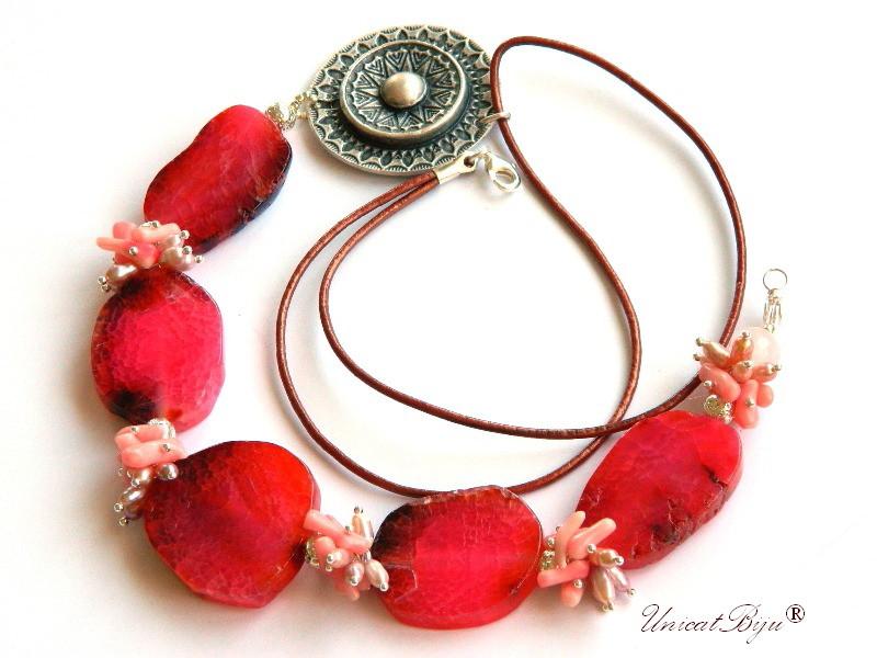 colier statement, bijuterii semipretioase unicat, agat masiv, coral roz, perle multicolore, sidef natural, salba argintata, unicatbiju