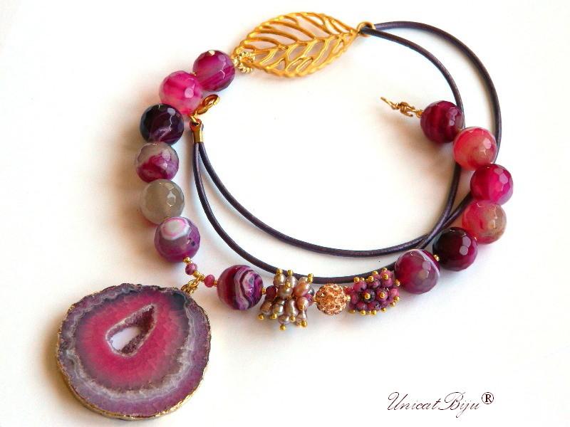 colier statement, bijuterii semipretioase unicat, agat masiv, agat geoda aurit, perle roz, rubin zoisite, unicatbiju