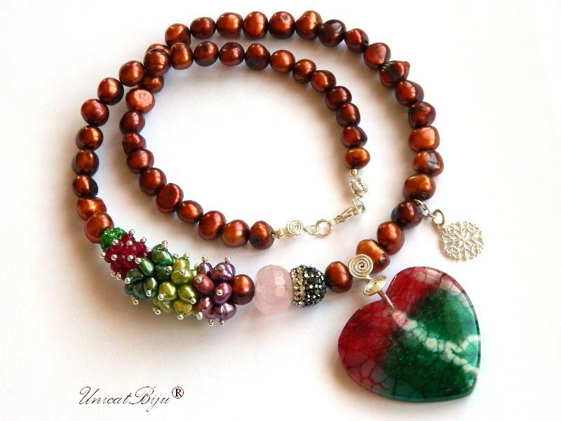 colier statement, bijuterii semipretioase unicat, perle multicolore, keshi, sidef natural, pandantiv agat inima, smarald radacina, unicatbiju