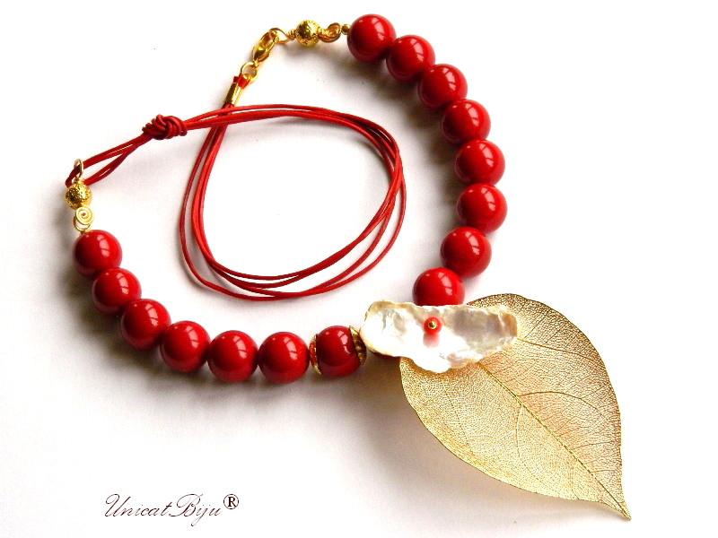 colier statement, pandantiv frunza filigran aurita, bijuterii semipretioase unicat, perle mallorca rosii, perle keshi albe, unicatbiju