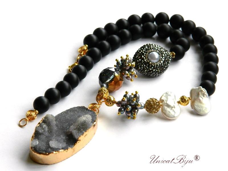 colier statement, onix negru, perle keshi, rhinestone, bijuterii semipretioase unicat, pandantiv agat druzy aurit, perle mari, unicatbiju